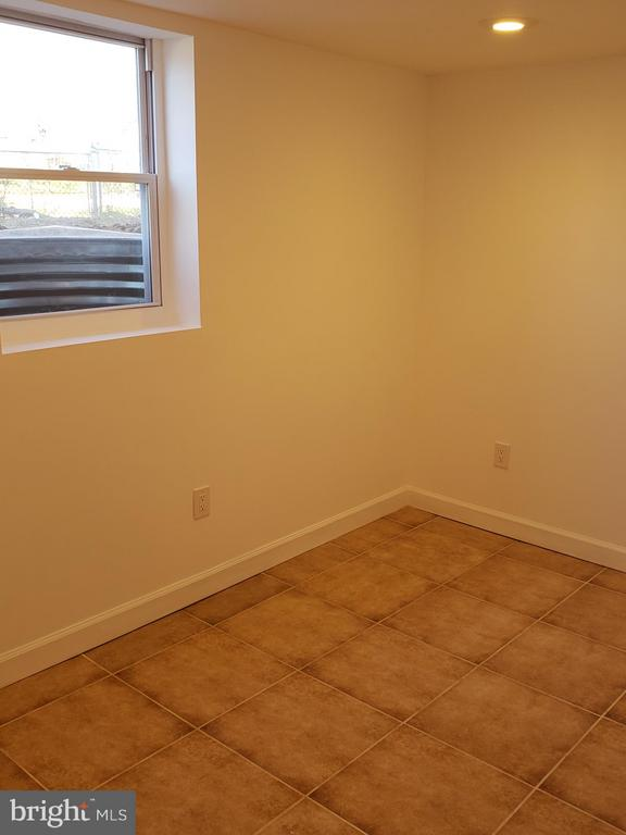 Lower level bedroom - 600 FORRESTER ST SE, WASHINGTON
