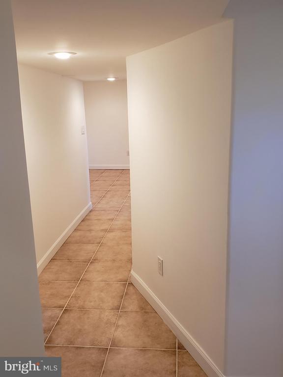 Lower level hallway - 600 FORRESTER ST SE, WASHINGTON