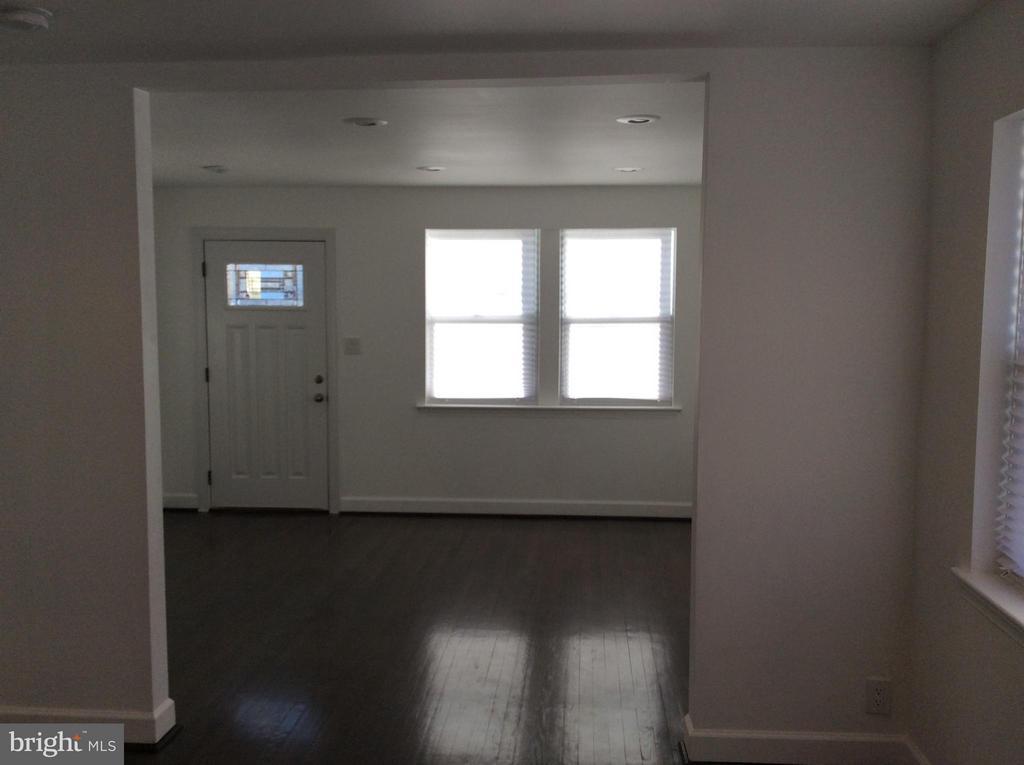 Living room - 600 FORRESTER ST SE, WASHINGTON
