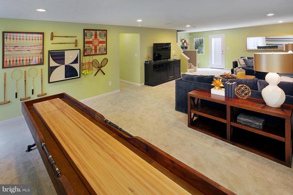 Recreation Room - 4 BRIGHTSTAR DR, MANASSAS