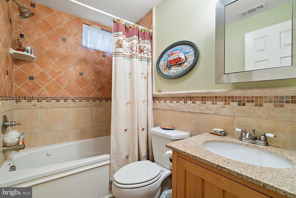 Downstairs Bathroom - 5350 JACOBS CREEK PL, HAYMARKET