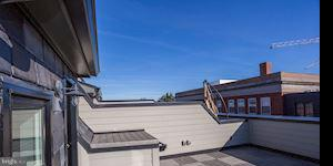 private roof deck with hose bib and gas line - 421 GUETHLER WAY SE, WASHINGTON