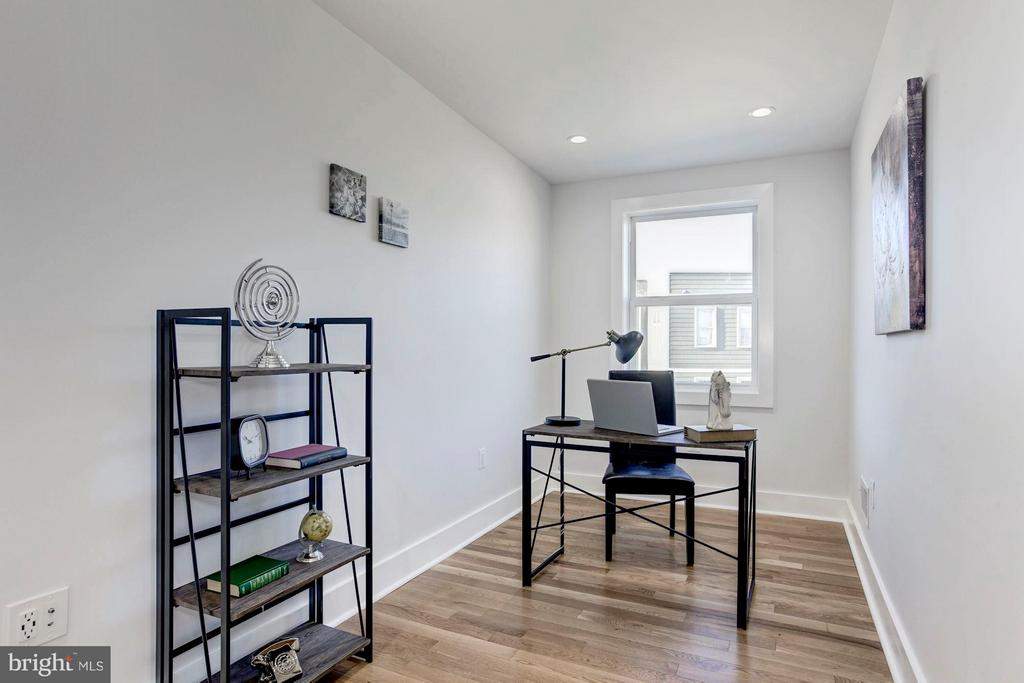 3rd Bedroom or Office Space - 5104 8TH ST NW, WASHINGTON