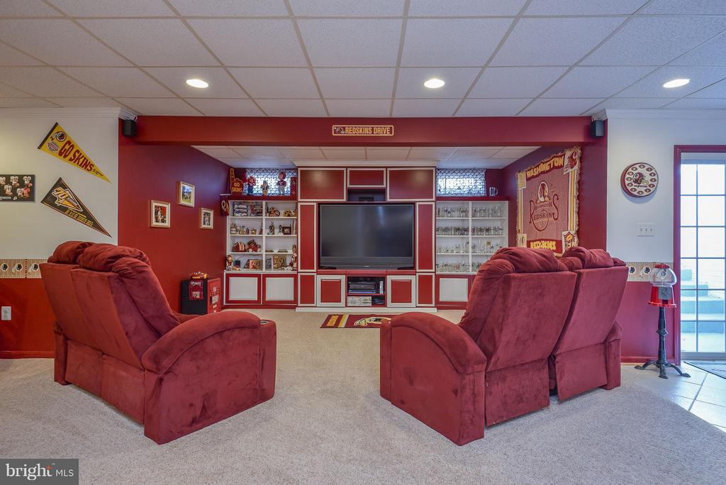 It does not get better than this  media room! - 9 SAINT CLAIRES CT, STAFFORD