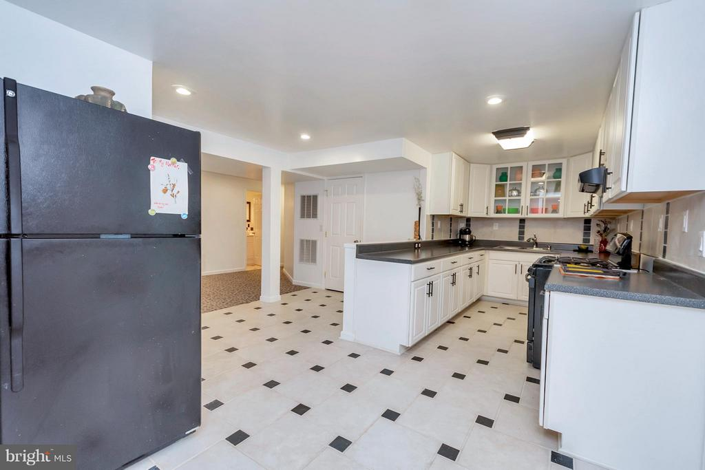Full basement kitchen - 110 HUNTON DR, FREDERICKSBURG