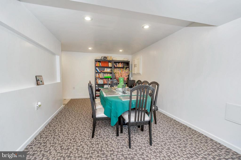 Basement rec./workout/bonus area or 2nd din. room - 110 HUNTON DR, FREDERICKSBURG