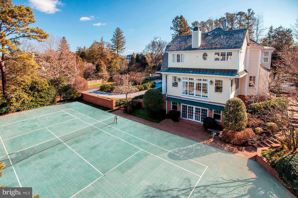 Tennis Court - 1144 LANGLEY LN, MCLEAN