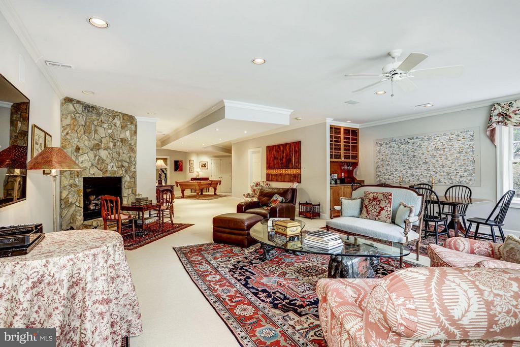 Lower Level Rec Room w/ Fireplace & Wet Bar - 1144 LANGLEY LN, MCLEAN