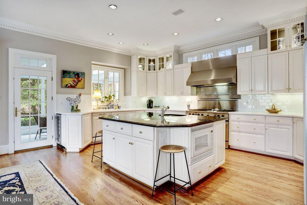 Kitchen - 1144 LANGLEY LN, MCLEAN