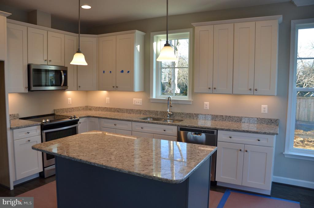 Example of the Tinner kitchen - 1022 RAILROAD AVE, FALLS CHURCH