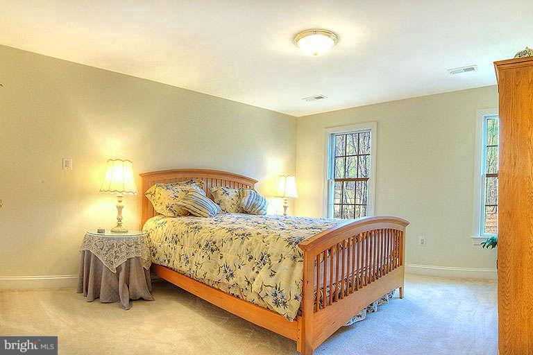 More spacious bedrooms and light - 6142 WALKER'S HOLLOW, LOCUST GROVE