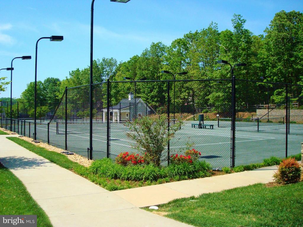 Fawn Lake Tennis couurts - 11400 STONEWALL JACKSON DR, SPOTSYLVANIA