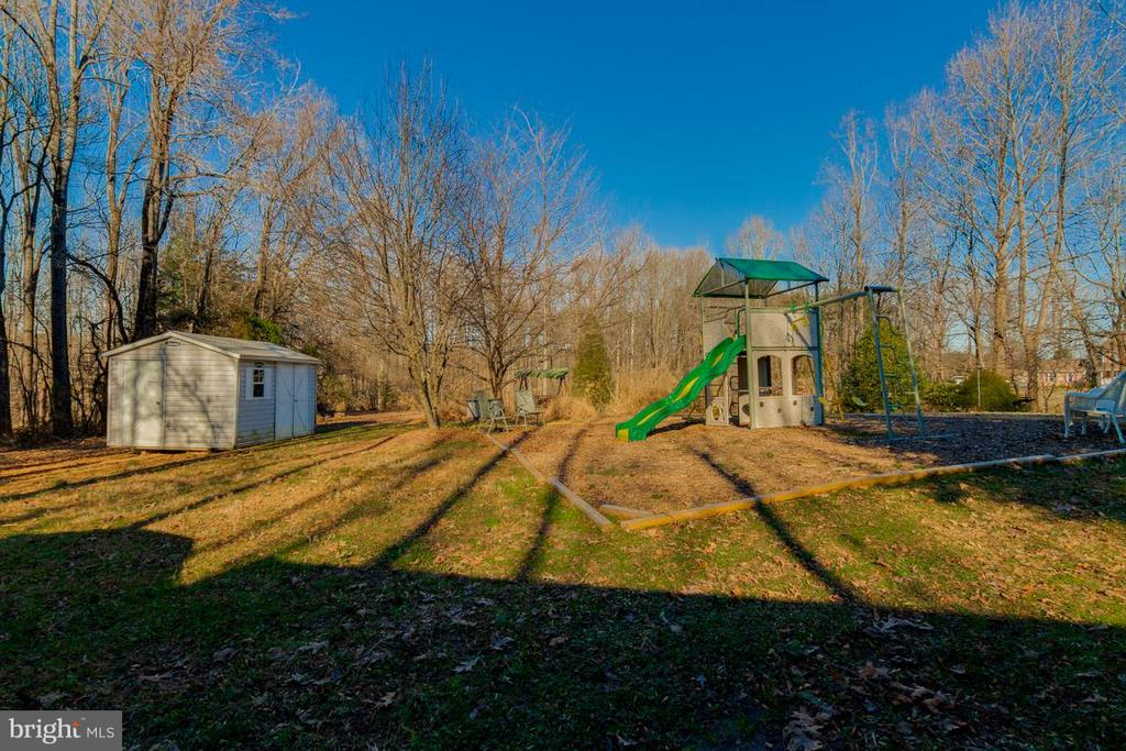 2 acre property has lots of outdoor space - 11316 LOCH NESS DR, FREDERICKSBURG