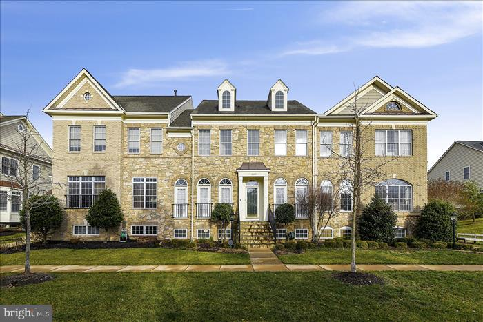 Beautiful stone front - 18987 ROSSBACK TER, LEESBURG