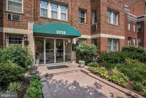 3028 WISCONSIN AVE NW #106