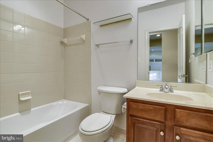 Full bath in Rec Room - 18987 ROSSBACK TER, LEESBURG