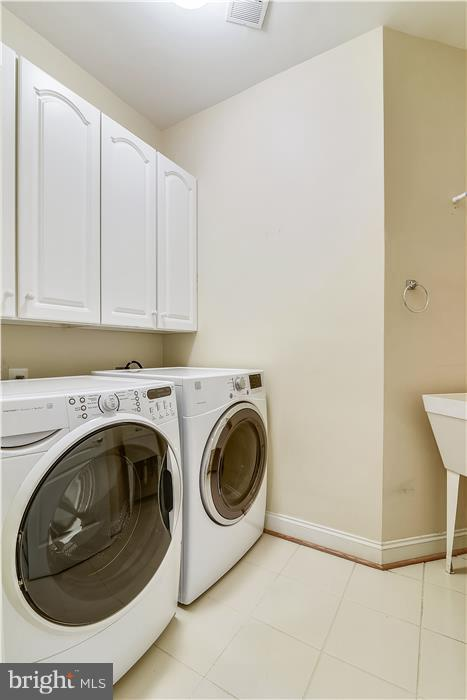 Laundry Room on Bedroom Level - 18987 ROSSBACK TER, LEESBURG