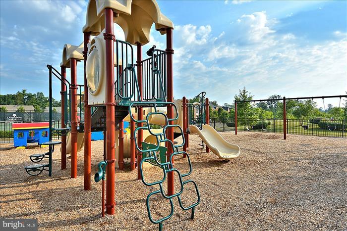 Lansdowne Playground - 18987 ROSSBACK TER, LEESBURG