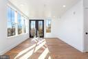 Living area leads to 100sqft balcony - 1245 PIERCE ST N #7, ARLINGTON