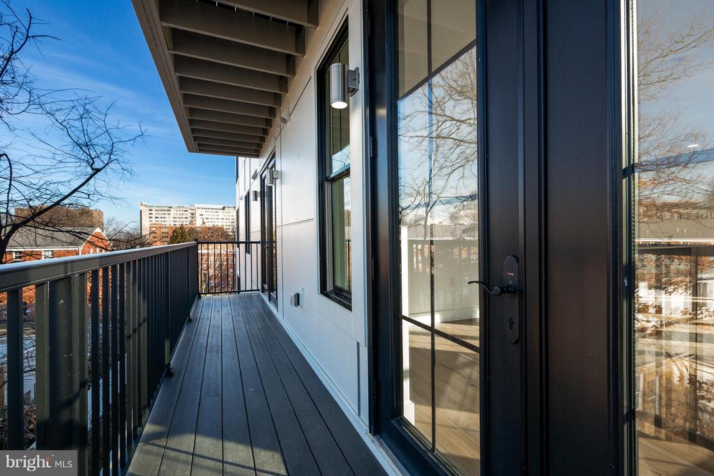 100sqft balcony! - 1245 PIERCE ST N #7, ARLINGTON