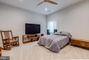 Lower level en-suite w/ full bath and large closet - 41629 WHITE YARROW CT, ASHBURN