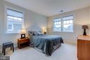 Bedroom 2 w/en-suite full bath and walk-in closet - 41629 WHITE YARROW CT, ASHBURN