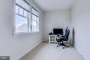 Kid's office between bedroom 3 and bedroom 4 - 41629 WHITE YARROW CT, ASHBURN