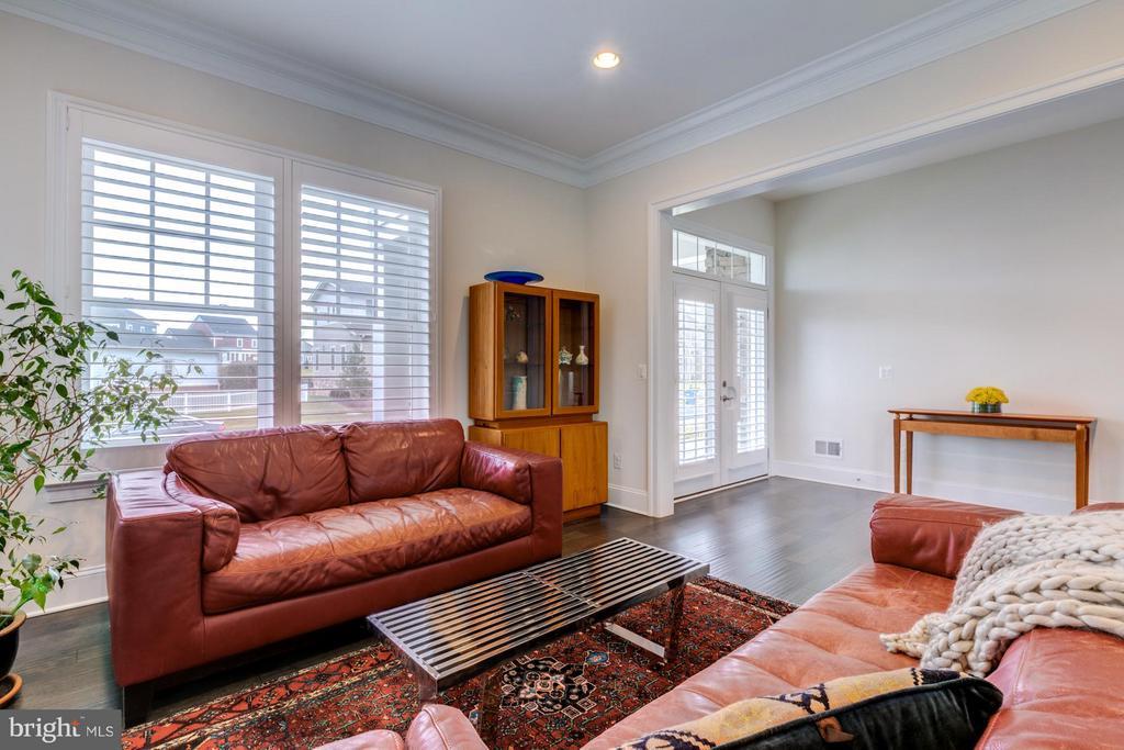Living room - 41629 WHITE YARROW CT, ASHBURN