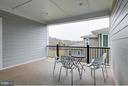 Upper level covered deck w/entry via owner's suite - 41629 WHITE YARROW CT, ASHBURN