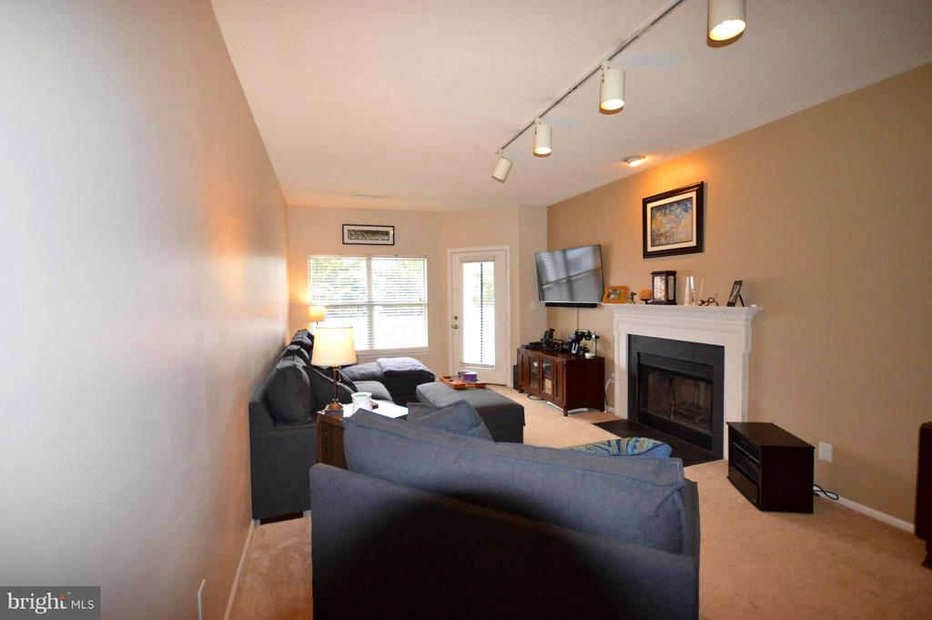 This open space can support large furniture. - 14320 CLIMBING ROSE WAY #203, CENTREVILLE