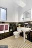 Full bathroom #2 - 4000 CATHEDRAL AVE NW #812B, WASHINGTON