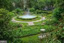 Sunken garden - 4000 CATHEDRAL AVE NW #812B, WASHINGTON