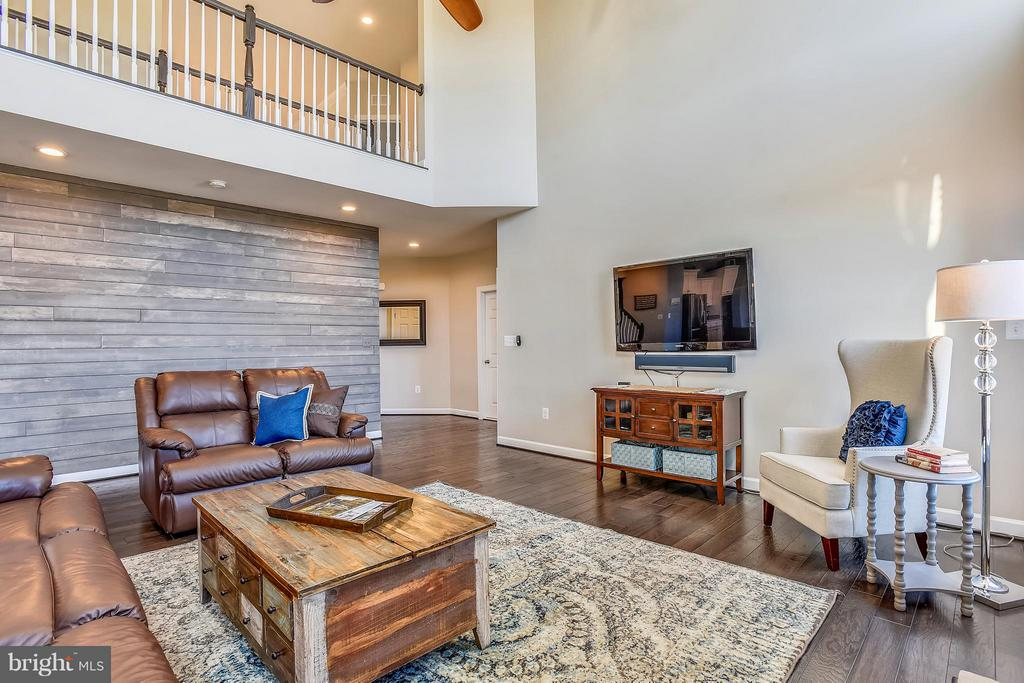 Family Room - 17800 AIRMONT RD, ROUND HILL