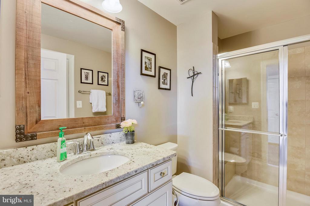 Full Bath Main Level - 17800 AIRMONT RD, ROUND HILL