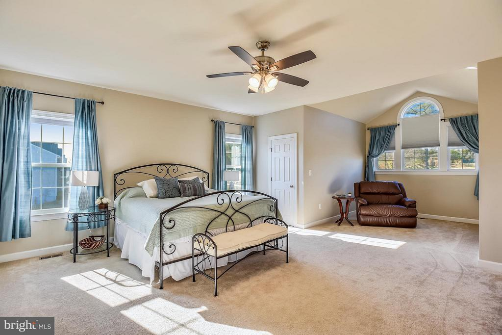 Master Bedroom - 17800 AIRMONT RD, ROUND HILL