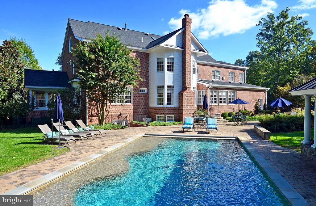 Salt water pool, hot tub waterfall, Resort Like! - 5862 SADDLE DOWNS PL, CENTREVILLE