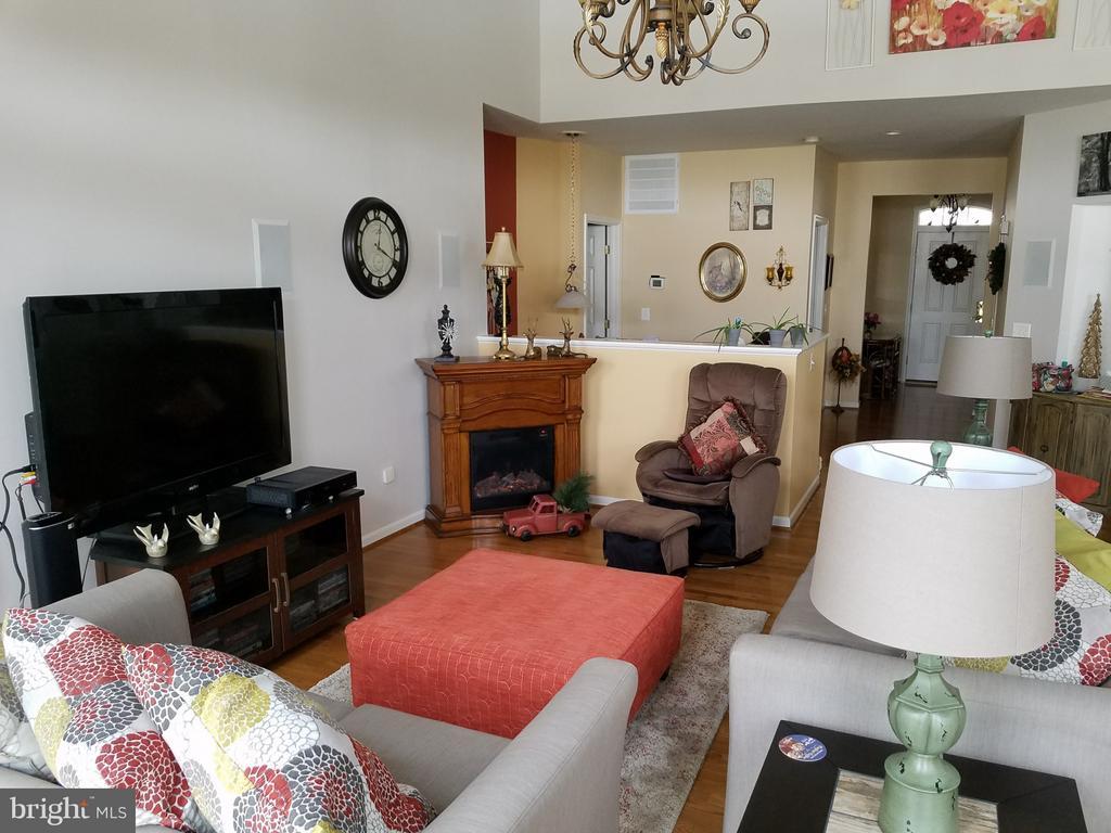 Family Room - 6109 GREENBRIER RIVER RD, FREDERICKSBURG