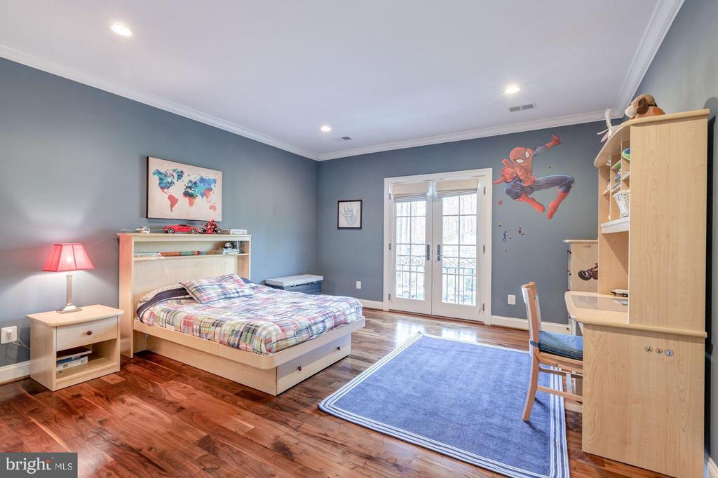 Upper Level - Bedroom Suite #3 - 8459 PORTLAND PL, MCLEAN