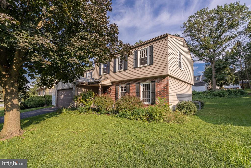212  SWARTHMORE DRIVE, Manheim Township in LANCASTER County, PA 17543 Home for Sale