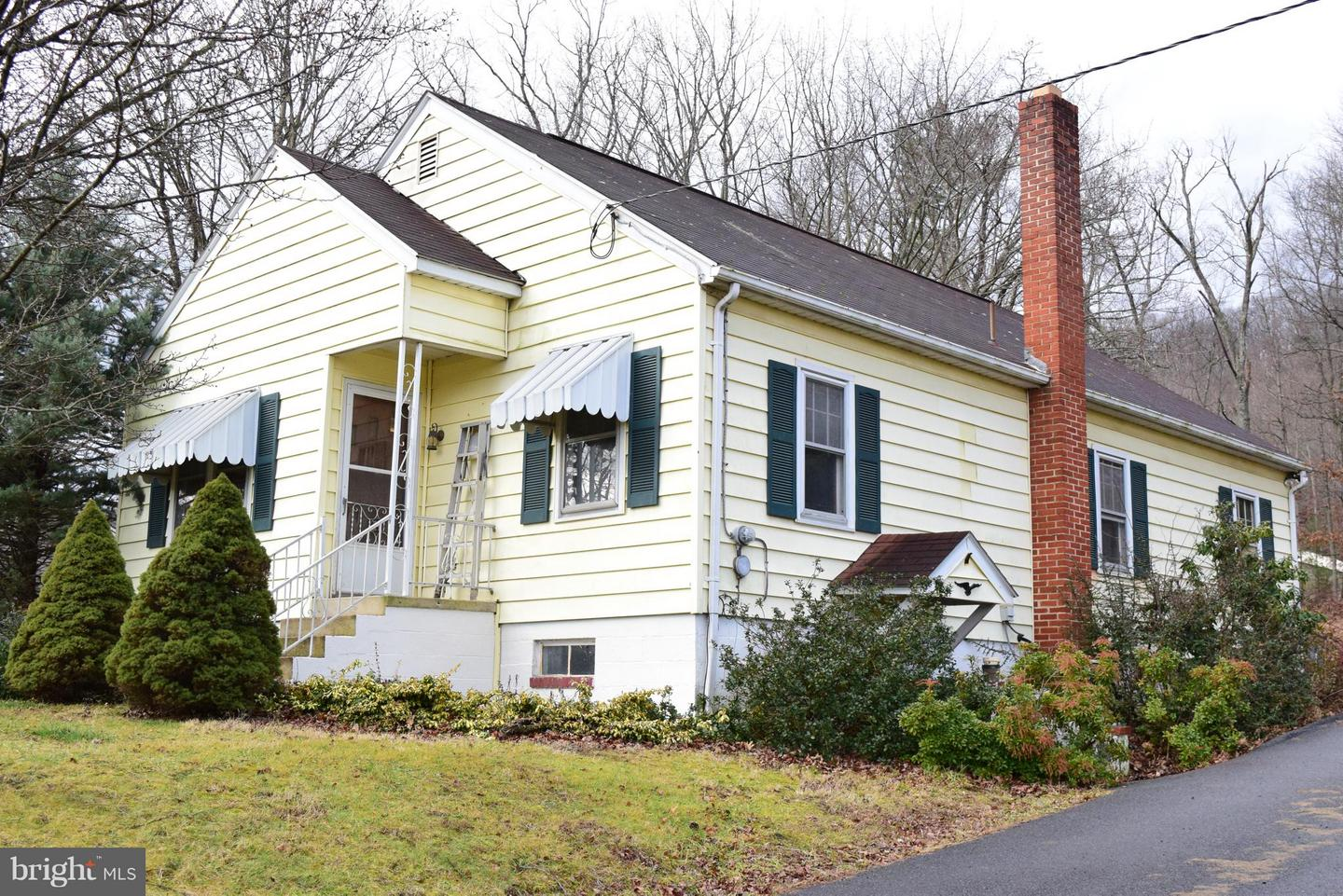 Single Family for Sale at 4738 Valley Road Berkeley Springs, West Virginia 25411 United States