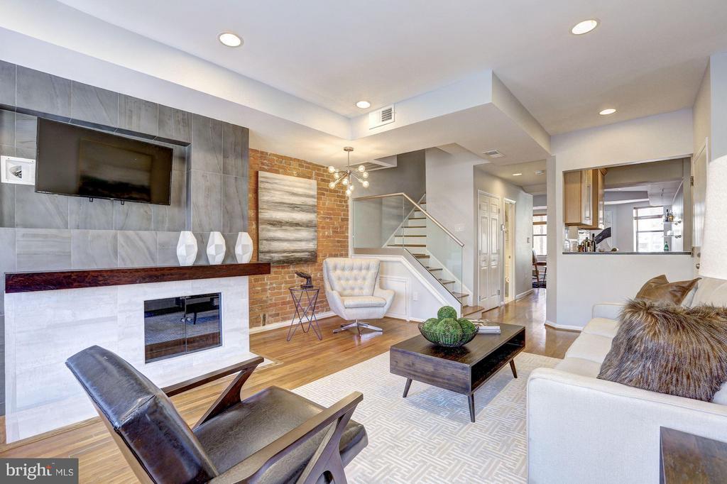 Main Level - Living Room w/ Fireplace - 1416 21ST ST NW #301, WASHINGTON