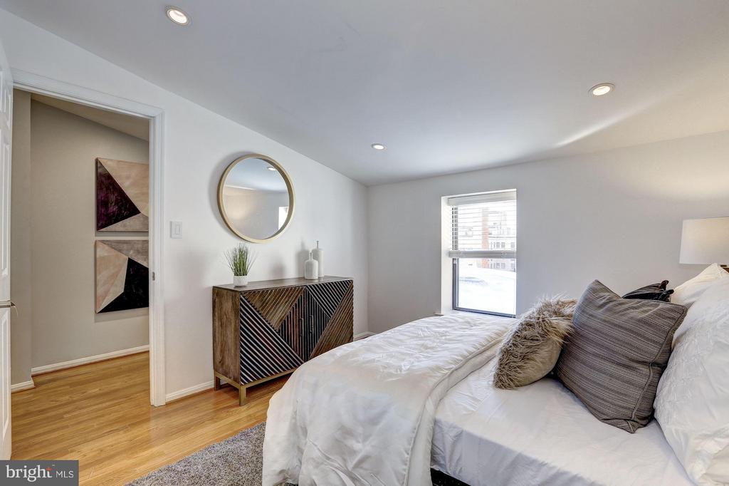 Upper Level - Bedroom #2 - 1416 21ST ST NW #301, WASHINGTON