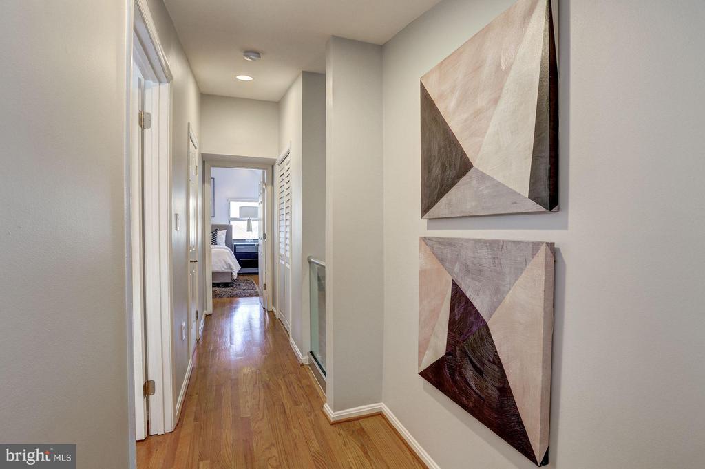 Upper Level - Hallway - 1416 21ST ST NW #301, WASHINGTON