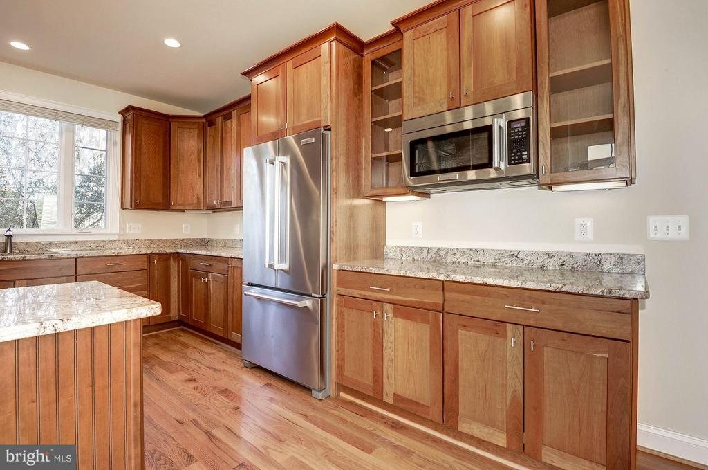 Kitchen - 6614 19TH RD N, ARLINGTON