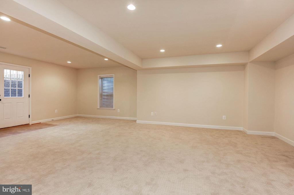 Recreation Room - 6614 19TH RD N, ARLINGTON