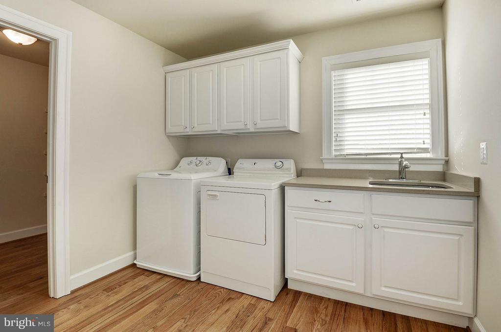 Laundry Room with large adjacent closet - 6614 19TH RD N, ARLINGTON