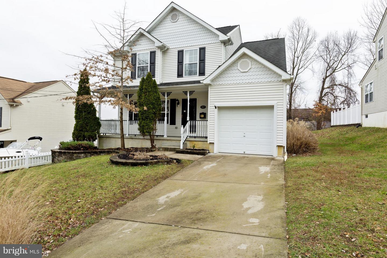 Maison unifamiliale pour l Vente à 412 E 3RD Avenue Runnemede, New Jersey 08078 États-Unis