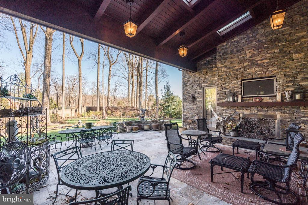 Reach Porch with Fireplace - 8447 PORTLAND PL, MCLEAN