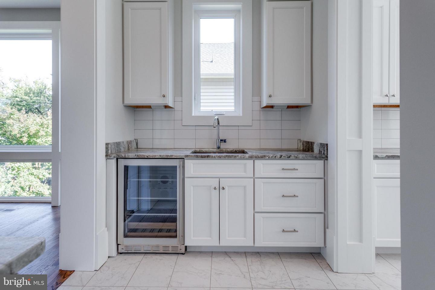 Additional photo for property listing at 7507 Fisher Drive 7507 Fisher Drive Falls Church, Virginia 22043 United States