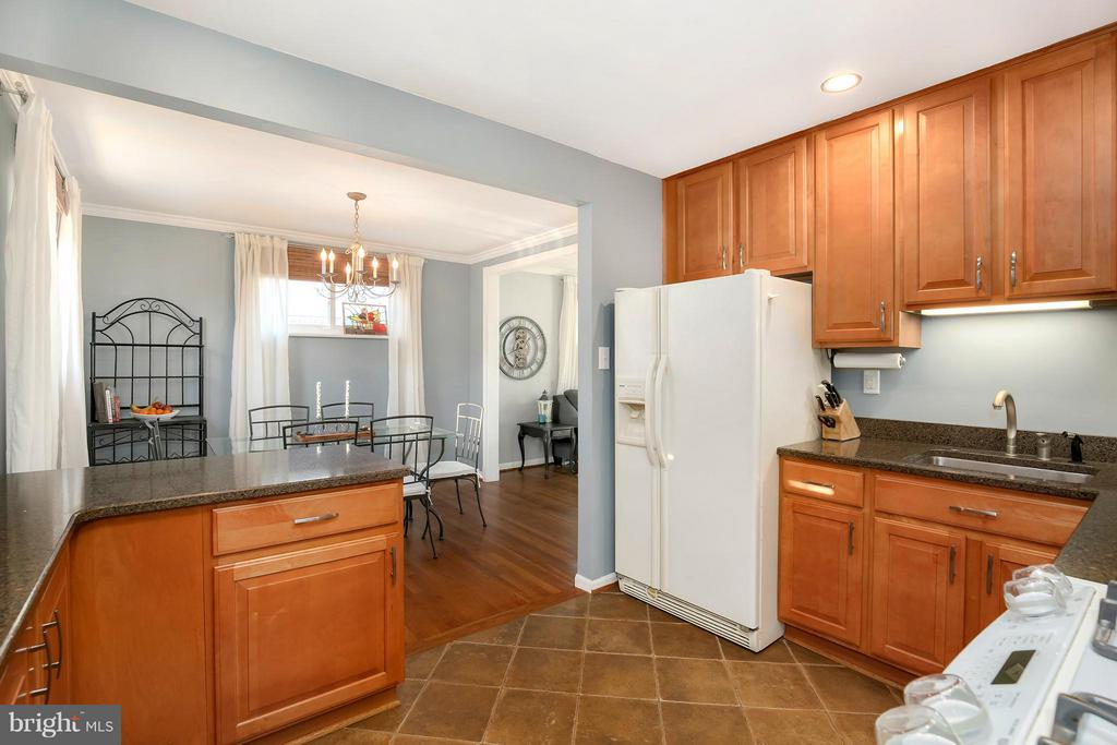 - 4710 WILWYN WAY, ROCKVILLE